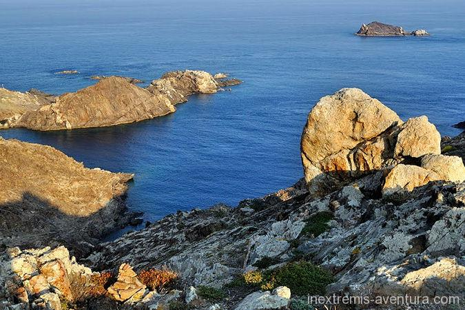 Self-guided Walking by the GR 92 and GR 11 on the last Pyrenean foothills around Cadaquès and the Cap de Creus Natural Park along the coastal path of the Costa Brava… On the program: 5 days – 4 nights – 4 days walking of moderate level. Location : Cadaques, Rosas, Port of Selva Department : Costa Brava Region : Catalonia Country : Spain From collioure to Cataques - France and Spain