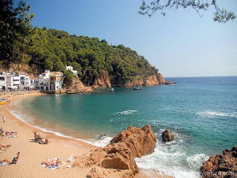 Walking Holidays Cami de Ronda Sant Feliu de GHuixols Begur - Catalonia - Spain