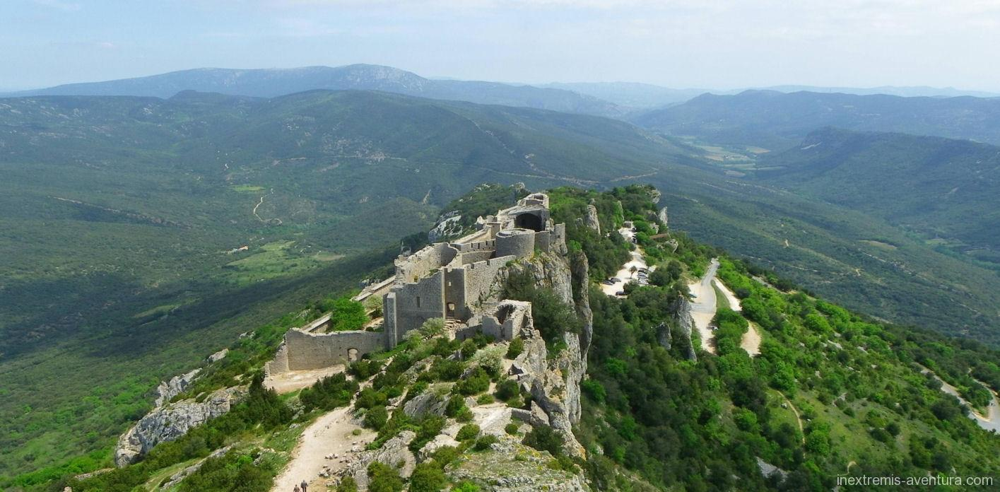 Walking holidays cathar castles